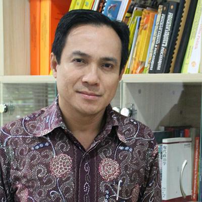 Julian Aldrin Pasha, Drs., M.A., Ph.D.